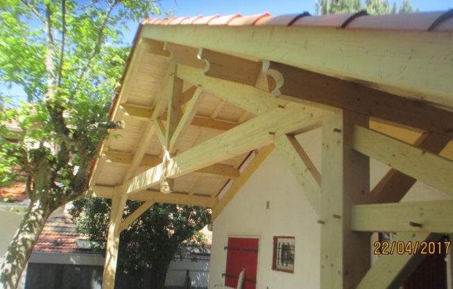 Construction Auvent Bois Pyla Gujan Mestras par Combles & Toitures