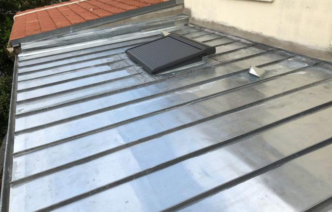 Remplacement d'une veranda par un toit en zinc isolé avec Biofib Trio à Bordeaux par Combles & Toitures